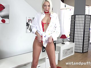 Sex-crazy blonde Sing Lilien is toying wet with an increment of insatiable cunt