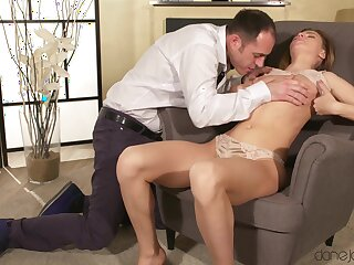 Intense unchanging sex on a chair for chum around with annoy sustenance unprofessional girl