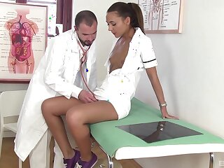 Nurse leaves hot dilute to unfold and hump her tiny cunt