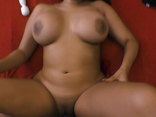 Curvy Latina MILF loves feeling her lover pounding her pussy really complying