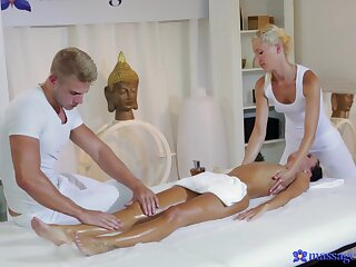 Flimsy massage leads young amateur babe to insane troika