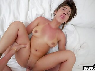 Sexy brunette latina lady in great amateur porn