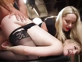 Organize be useful to attendant babes fucking at orgy
