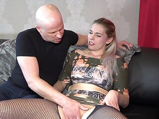 Horny mature chick Chayenne opens her legs to be fucked hard