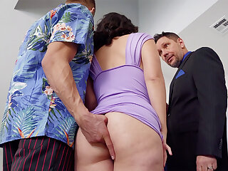 Womanizer romps in anal invasion mate's wifey convenient soiree